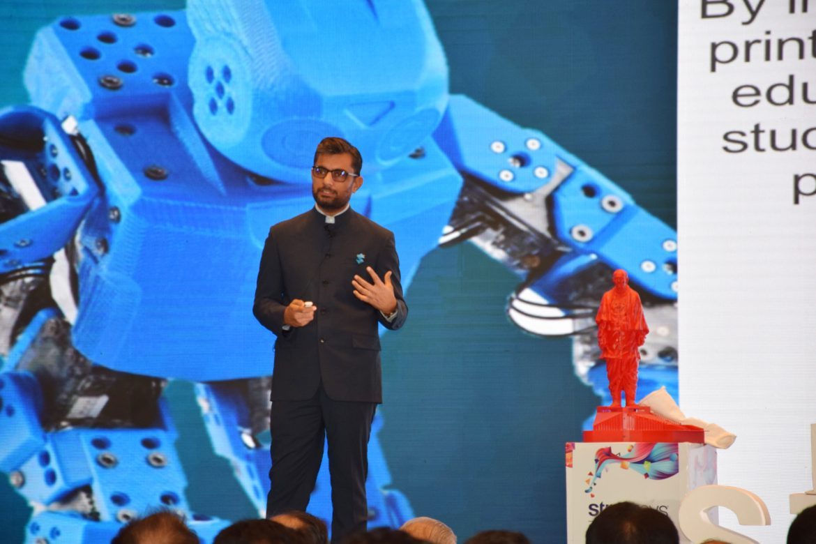 Rajiv Bajaj, MD, India & SEA, Stratasys ,speaking at Stratasys India User Forum, about the usage of Stratasys technology for wind-tunnel testing of the Statue of Unity model, among other success stories