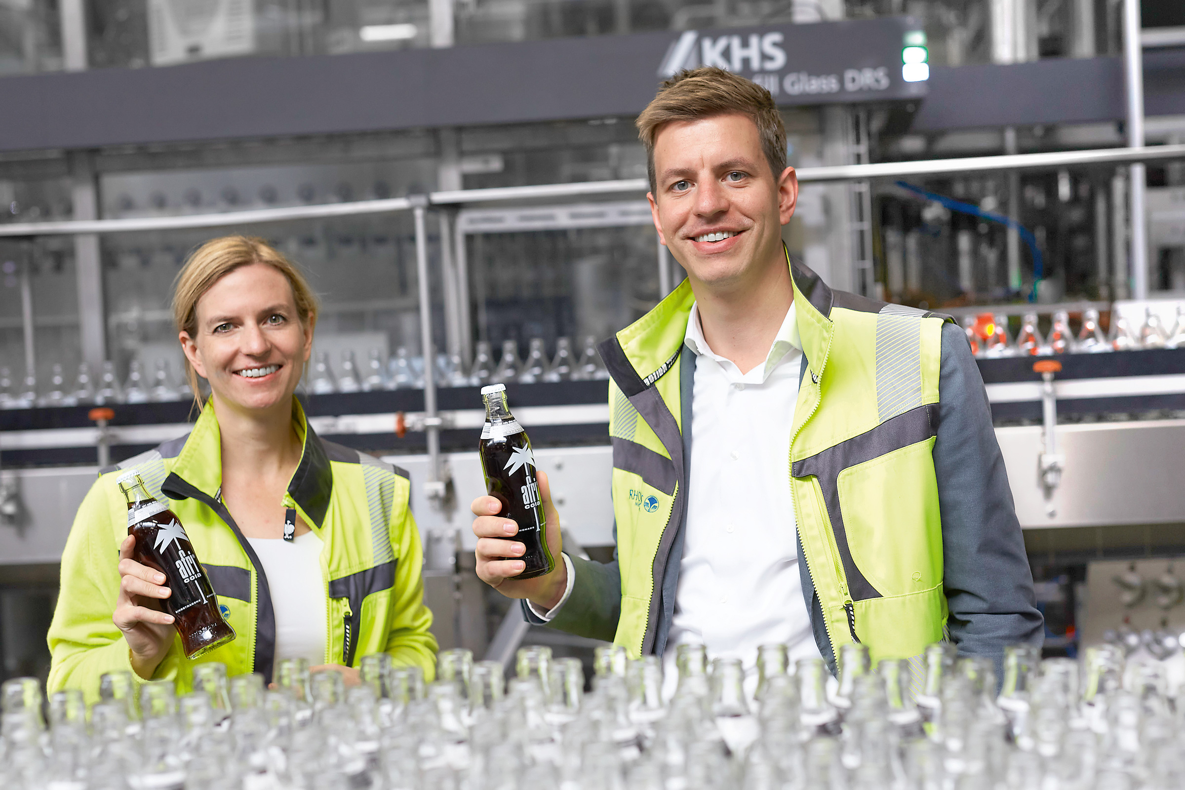 RHODIUS Mineralquellen is managed by sibling managing directors Frauke Helf and Hannes Tack.